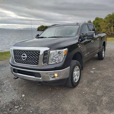 Pre-Owned 2018 Nissan Titan Crew Cab XD SV 4x4 Pick up