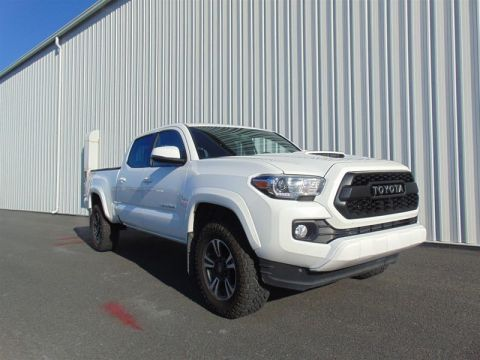 Pre-Owned 2017 Toyota Tacoma 4x4 Double Cab V6 TRD Off-Road 6A Truck