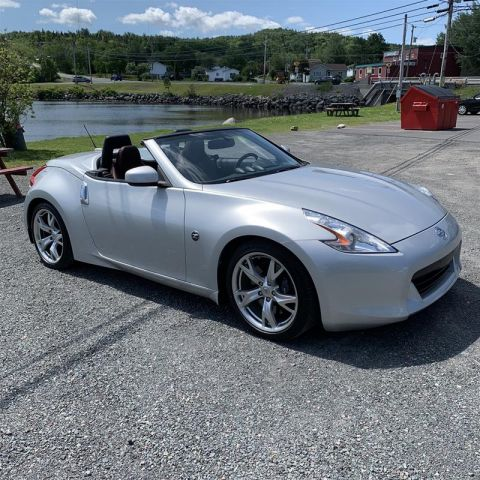 2010 Nissan 370Z Touring Roadster Bordeaux Top 6sp